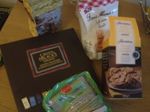 Peanut Flour, Green & Black's Tasting Selection, Bonne Maman Soft Raisin Biscuits, Thorntons Lemon Meringue Cookie, Kelp Noodles